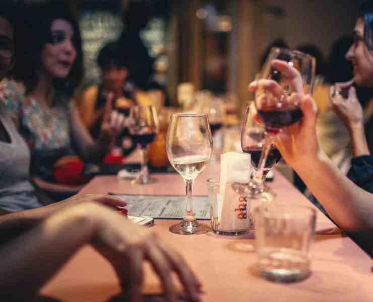 If you're looking for free wine in NYC then we have a list of great places for you! You can be sure to get your alcohol fix at these places for no price!