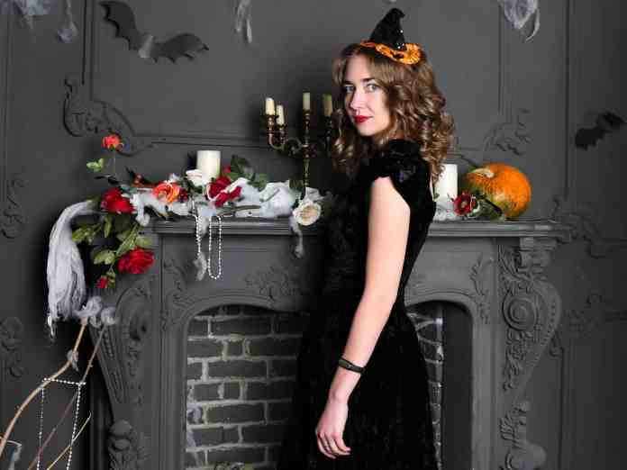 Last minute Halloween costumes can be a live saver for some when you're running out of time to make a costume. Here are some easy ideas for you!