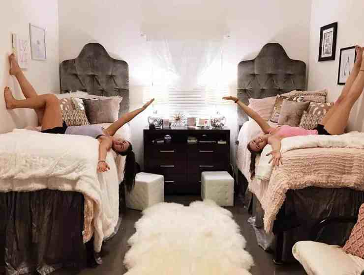 Having ways to personalize dorm decor is so important when you want your dorm room to be cute and homey! Here are some of the best ways!