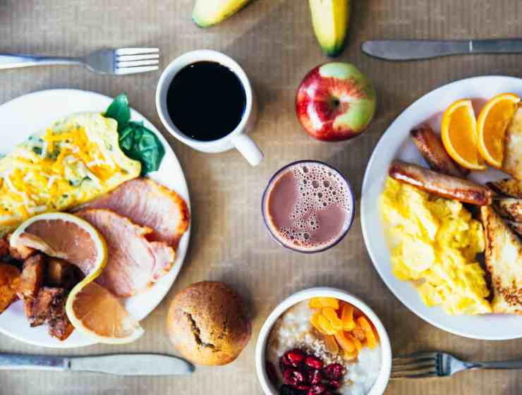 These breakfast meal prep recipes are easy and fast to make for your busy mornings! We've listed some of our favorites recipes!