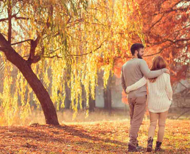 Having things to do with your significant other during autumn is key to knowing what to do on your fall themed dates! Get the pumpkins and apples ready!