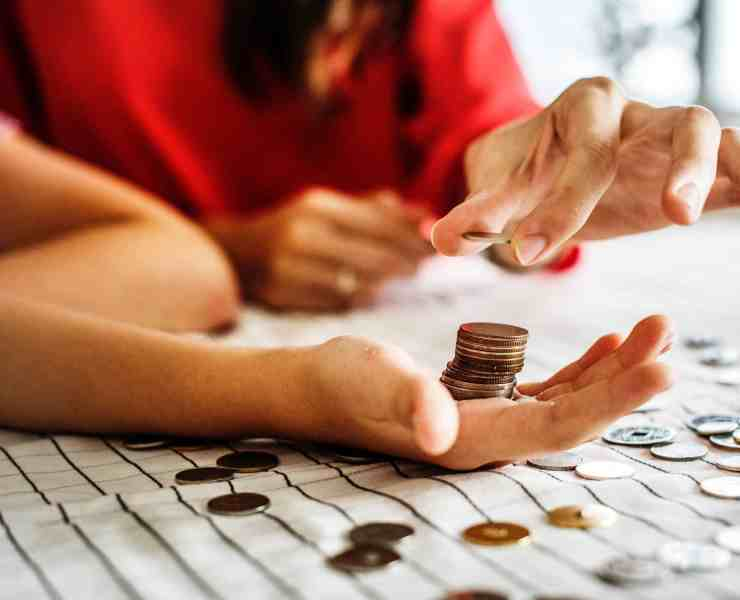 Saving money in college is not a difficult task. Discover ways how you can budget and save money now!