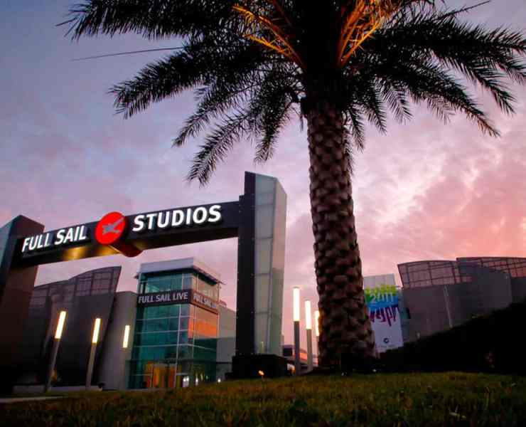 Full Sail University is a unique school that has a lot to offer its students. These are some GIFs that describe the experience of all students.