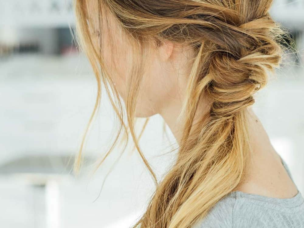 10 Easy Hairstyles For The Busy College Girl - Society19
