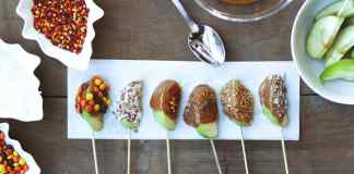 Caramel apple pops are one of the best fall treats that you can eat! Here are some recipes to make these amazing sweets now!