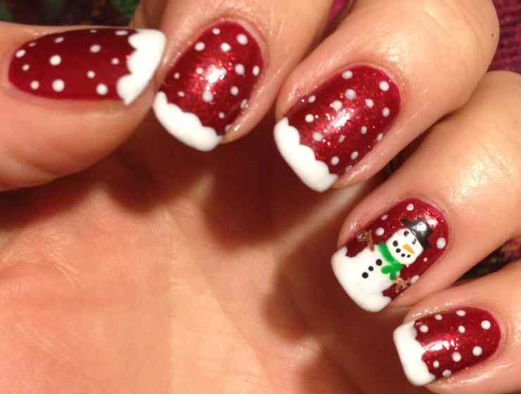 These Christmas nail polish ideas are going to help your nails look on point this holiday! Here are our favorite winter nail polish looks.