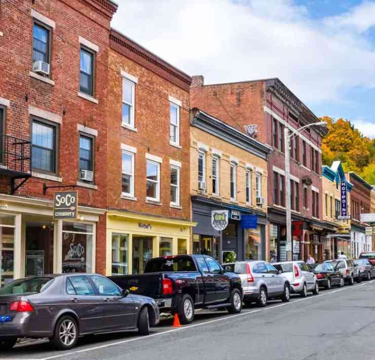 Massachusetts is filled with small towns where everyone is able to find relatable things about it. Here are some signs you're probably from one...