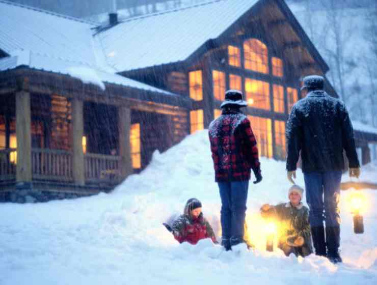 These winter weekend getaway ideas are perfect for anyone who is looking to travel once the weather gets colder! Here are some of the best spots!