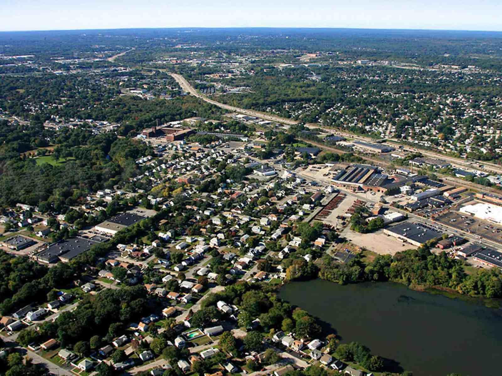 10 Reasons I Wish I Grew Up Literally Anywhere BUT Cranston, RI