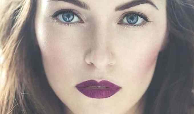 These dark lipstick colors are going to have you looking gorgeous this winter! Here are the best lipsticks for you to try now!
