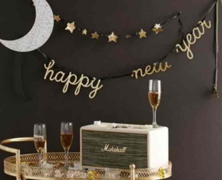 19 unexpected New Year's Resolutions to try why your tired of the cliche standard resolutions. Try one or a few, or all 19! New year, new you right?!