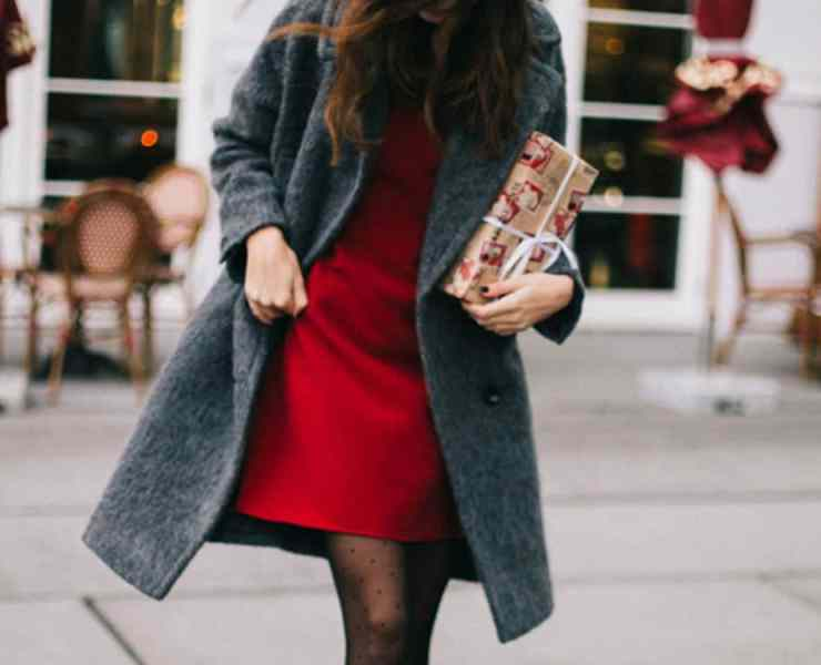 These winter date night outfits will have you looking great during your next holiday date! These are our top date night styles for you!