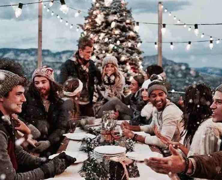 These Instagram accounts will help get you in the holiday spirit like nothing else can! Here are our favorite ones to follow now!