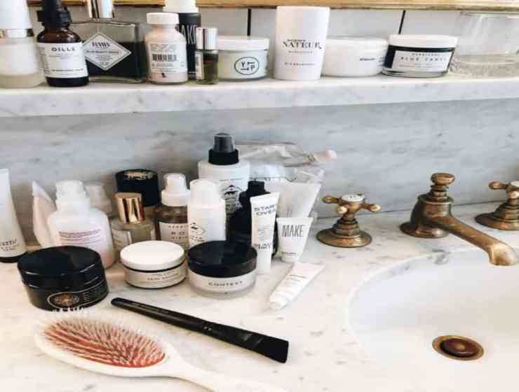 The internet claims coconut oil as a miracle worker in all things beauty, but what really happens when we replace our beauty products with this magical stuff?