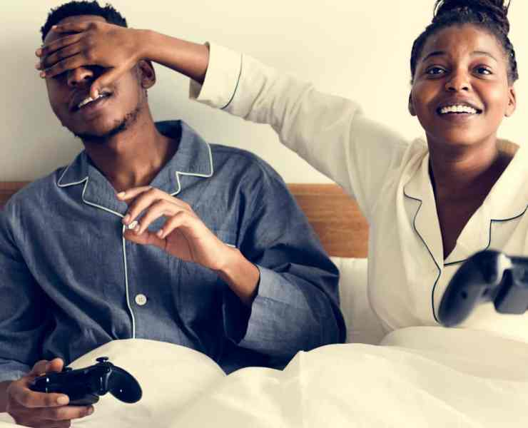 Find out what games you and your boyfriend/girlfriend should play together! They are guaranteed to have a good time playing these games!