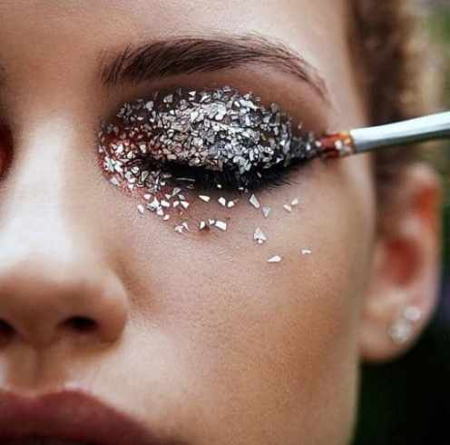 10 Glitter Makeup Looks You're Going To Want To Copy ASAP