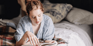 A book worm is a unique individual. They take their reading and book loving seriously. Here are 10 signs you are a book worm.