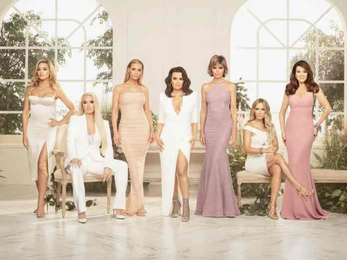 Do you check your horoscope AND watch RHOBH? Then it's time for you to find out what Real Housewife of Beverly Hills you are according to your zodiac sign!