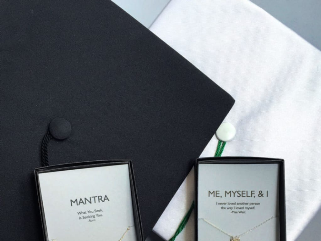 The Best Personalized Graduation Gifts To Get That Special Grad