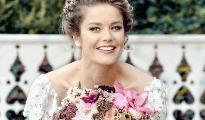 10 Romantic Hairstyles That You Will Want To Wear On Your Wedding Day