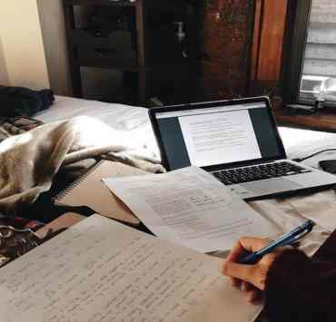 10 Inspiring Quotes To Motivate You When Writing Assignments