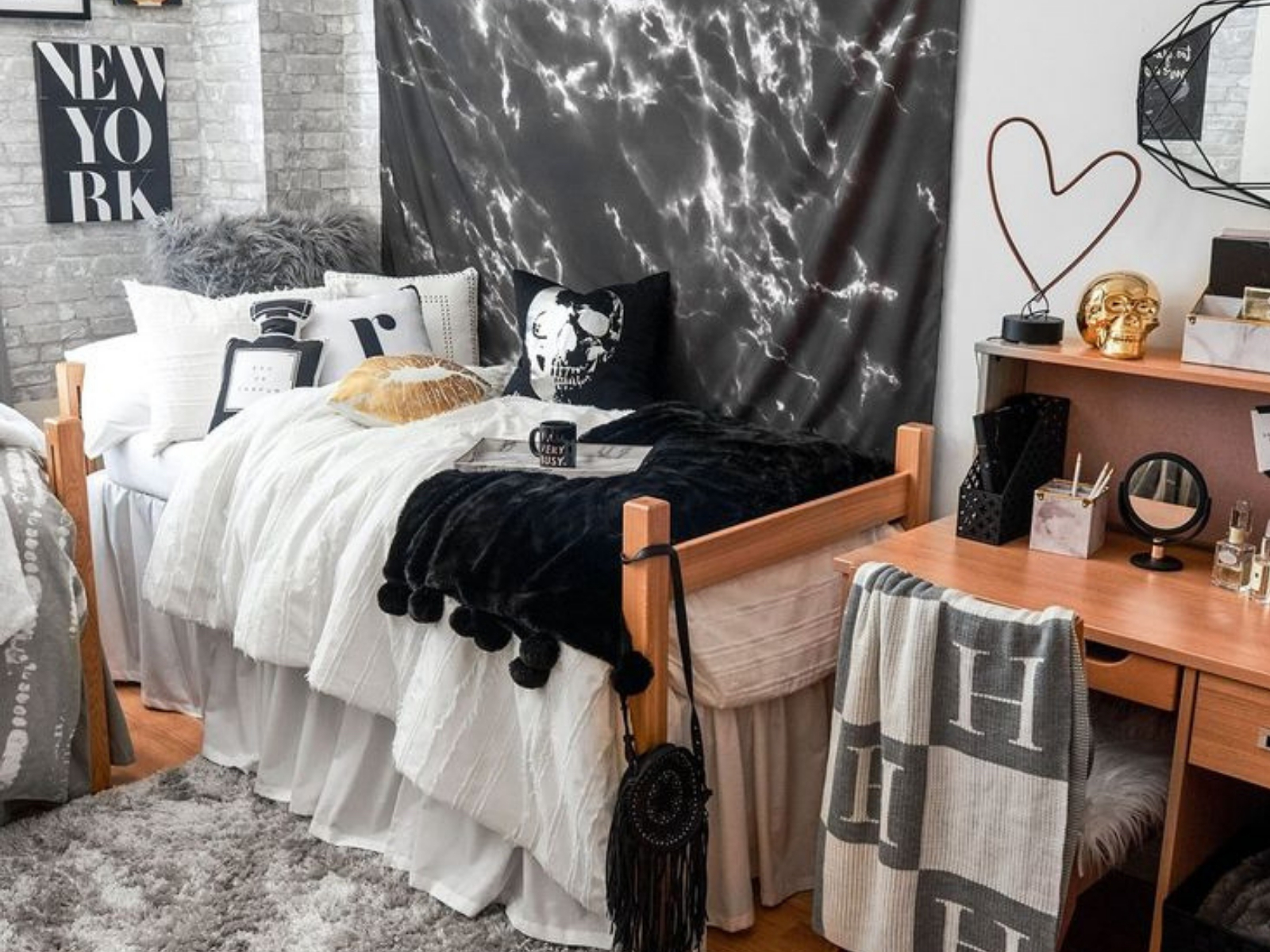 10 College Dorm Decorating Tips All New Students Need To