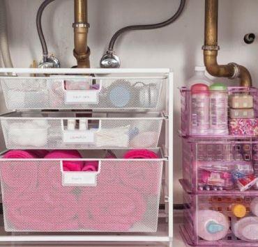 Bathroom Struggles Every College Girl Living In A Dorm Understands