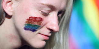 15 Signs You Grew Up Bisexual