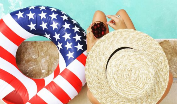 4th Of July Floats To Liven Up Your Instagram Feed