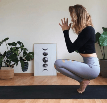 Basic Yoga Moves To Help You De-stress