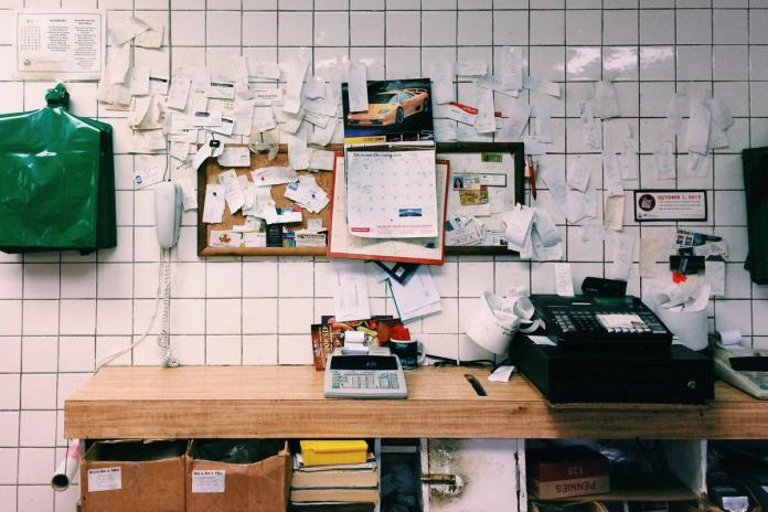 Staying Organised: Why Your Place Is A Mess And What to Do About It