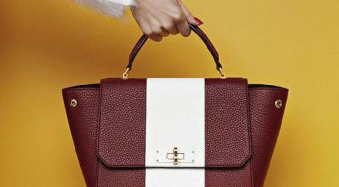 8 Things You Should Always Carry In Your Bag