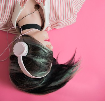 12 Breakup Songs To Clean The House To