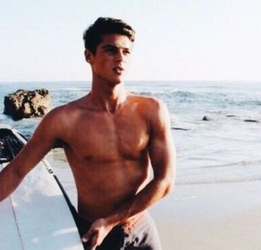 10 Sexy Summer Styles Guys Should Try