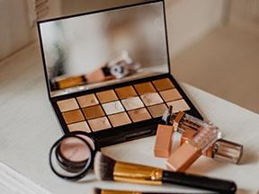 Top 5 Makeup Hacks To Start Trying