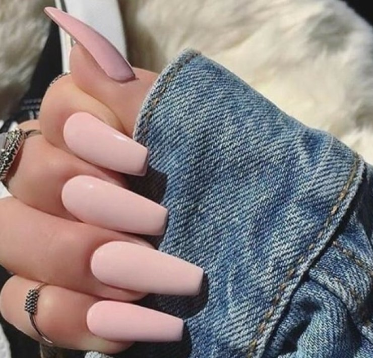 12 Prom Nail Ideas For Your Big Night