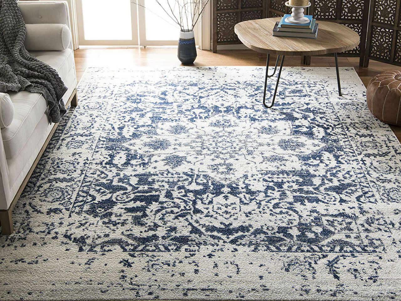 10 Cute Rugs Perfect For Your Dorm Room This Fall