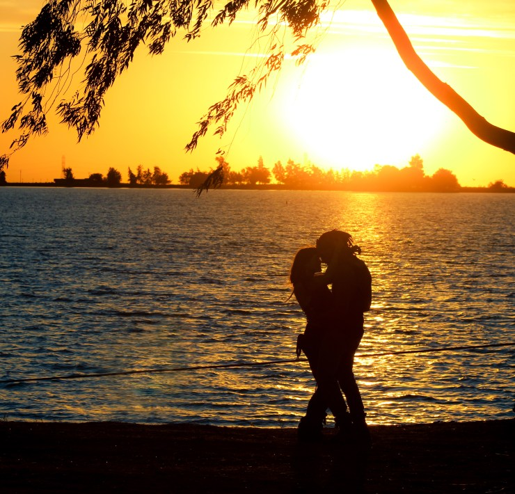 15 Cheap Date Ideas Any Couple Will Love