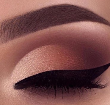 10 Eyeshadow Colors To Wear Now