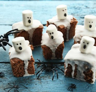 10 Over The Top Halloween Desserts