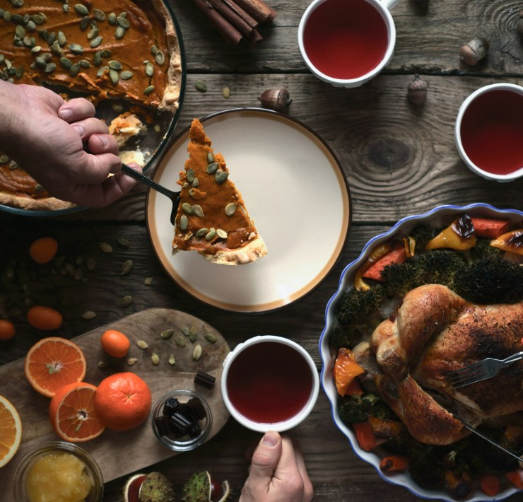 Easy AF Dishes To Bring to Friendsgiving