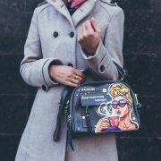 10 Things Every Girl Should Keep In Her Purse This Winter