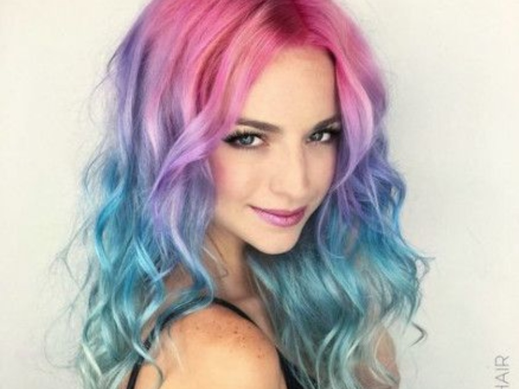 dying your hair, Pros And Cons Of Dying Your Hair That Crazy Color You've Been Eyeing