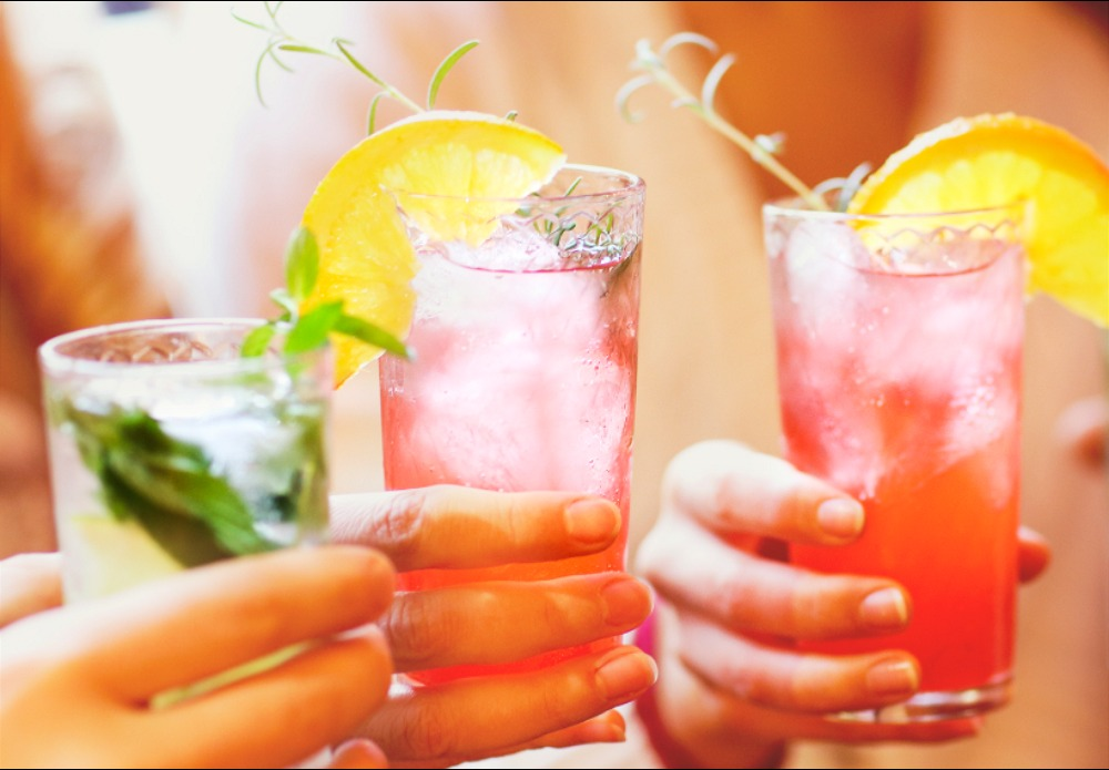 Delicious, Delectable Drinks To Make For A Night With Your Friends