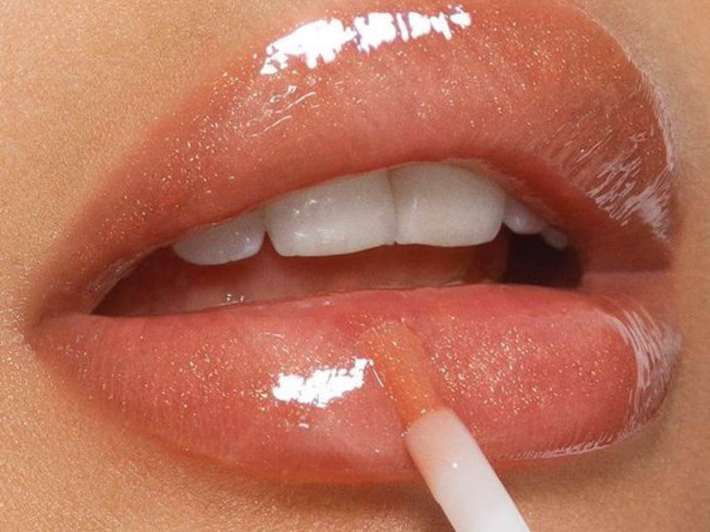 Wet-Lip Look, How To Achieve The Wet-Lip Look This Spring