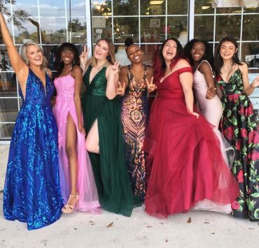 15 Complete Prom Looks That Are Trending For 2020
