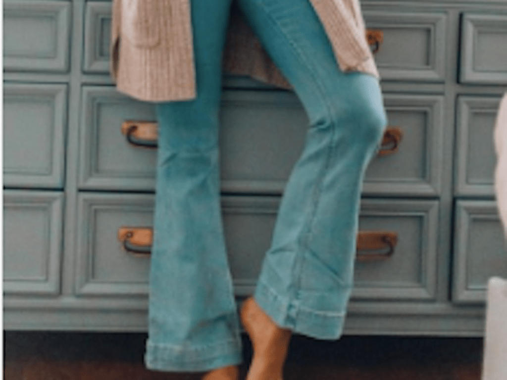Flare Jeans, 70s Throwback: It's Official Flare Jeans Are Back