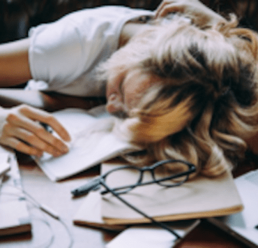 10 Thoughts We've All Had While Studying For Spring Midterms