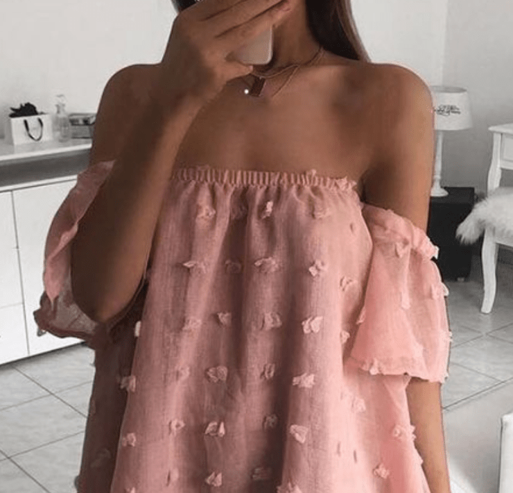 Best Dresses To Wear If You Have Smaller Breasts