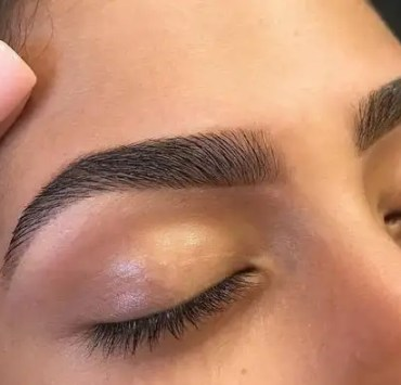 The Ultimate Guide To Survive Doing Your Eyebrows At Home